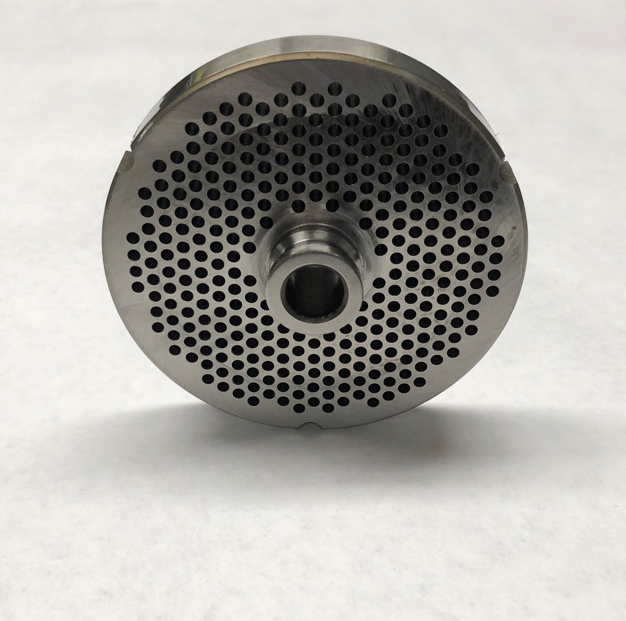#32 Meat Grinder Plate with 1/8'' Holes - Hub Style