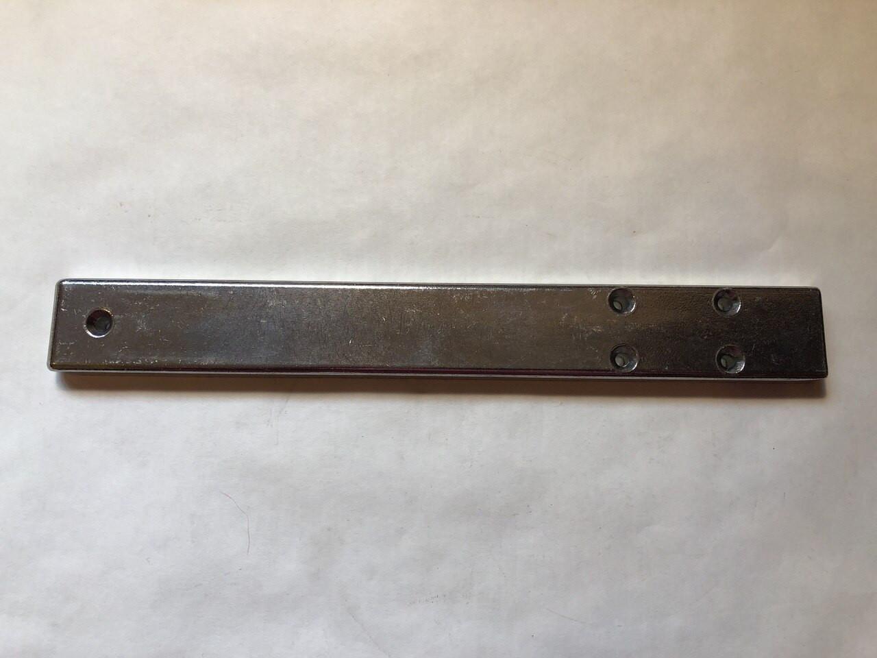 444 -- (#04) -- Tie Bar - 1061188