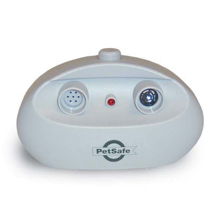 Ultrasonic tone deters your dog from barking.