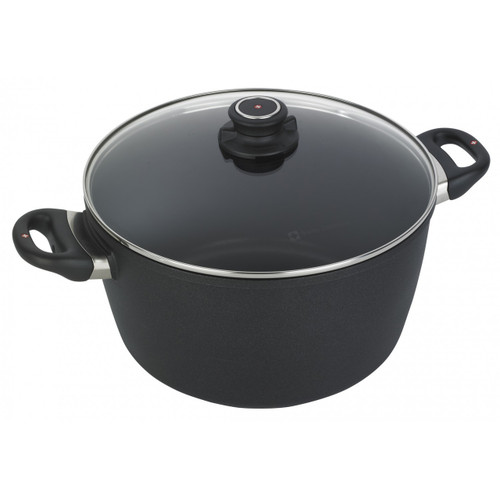 XD Nonstick 8.5 Qt Stockpot  Need the perfect nonstick Stock Pot? Look no further! From stocks and broths to soups and stews, the Swiss Diamond XD Nonstick Stock Pot from plumpuddingkitchen.com is a necessity for mealtime with family or friends.