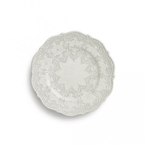 "A delicate cream glaze, a rich, black clay and an vintage lace pattern blend beautifully to create this stunning plate. Italian ceramic, Hand made in Italy.  Microwavable, oven & dishwasher safe on the low-heat/air-dry setting.  Dimensions: 8"" D SKU: MER6921AL"