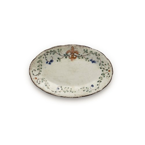 """The Medici Collection stands alone as a perfect entertaining collection with items ideal as gifts. The small oval tray is the perfect piece to hold the salt and pepper but also as a small serving piece. Italian ceramic, Hand made in Italy.  Microwaveable (may get hot) and dishwasher safe on the low heat, air-dry setting.  Dimensions: 9"""" L X 5.5"""" W SKU: MED2323"""