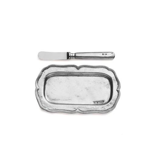 "Arte Italica Vintage Butter Tray with Spreader VIN3656  This pewter butter dish and knife utilizes centuries old techniques and fine Italian craftsmanship. Made with the finest quality pewter, distressed and hand-finished for a rich patina. Italian pewter, Hand made in Italy.  Wipe clean with a damp cloth.  6.75"" L X 4"" W; 6.25"" L"