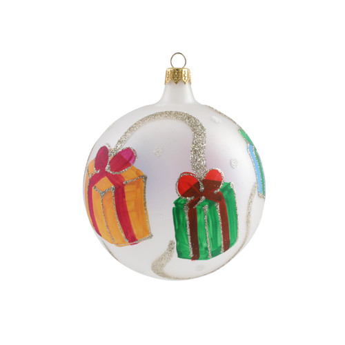 """Vietri Gifts with Garland Ornament  ORN-27021 4""""D  Decorate the tree with Italian flair this holiday season with one of Vietri's largest selections of ornaments ever offered.  Glass ornaments are handcrafted in Italy, the ornaments bring the perfect Italian flare to your holiday decorations."""