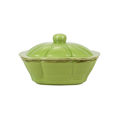 """Vietri Italian Bakers Green Square Covered Casserole Dish  ITB-G2958 10.25""""L, 9""""W, 2.25 Qt  Featuring scalloped edges and a fun holiday hue, the Italian Bakers Green Square Covered Casserole Dish from plumpuddingkitchen.com is handcrafted of Italian stoneware in Umbria.  This unique size and fun shape is perfect for holiday gatherings and family get-togethers. 