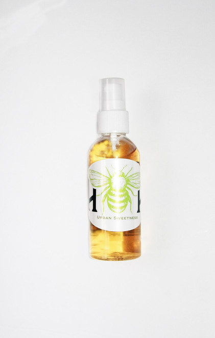 Vanilla and Lavender with touches of honey. Won't leave your hands sticky, just protected, never dry and always smelling sweet