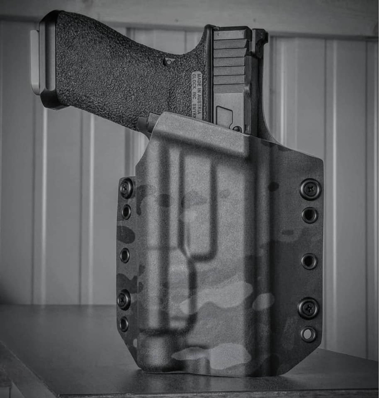 Glock 17 TLR1 Black Multicam OWB Holster