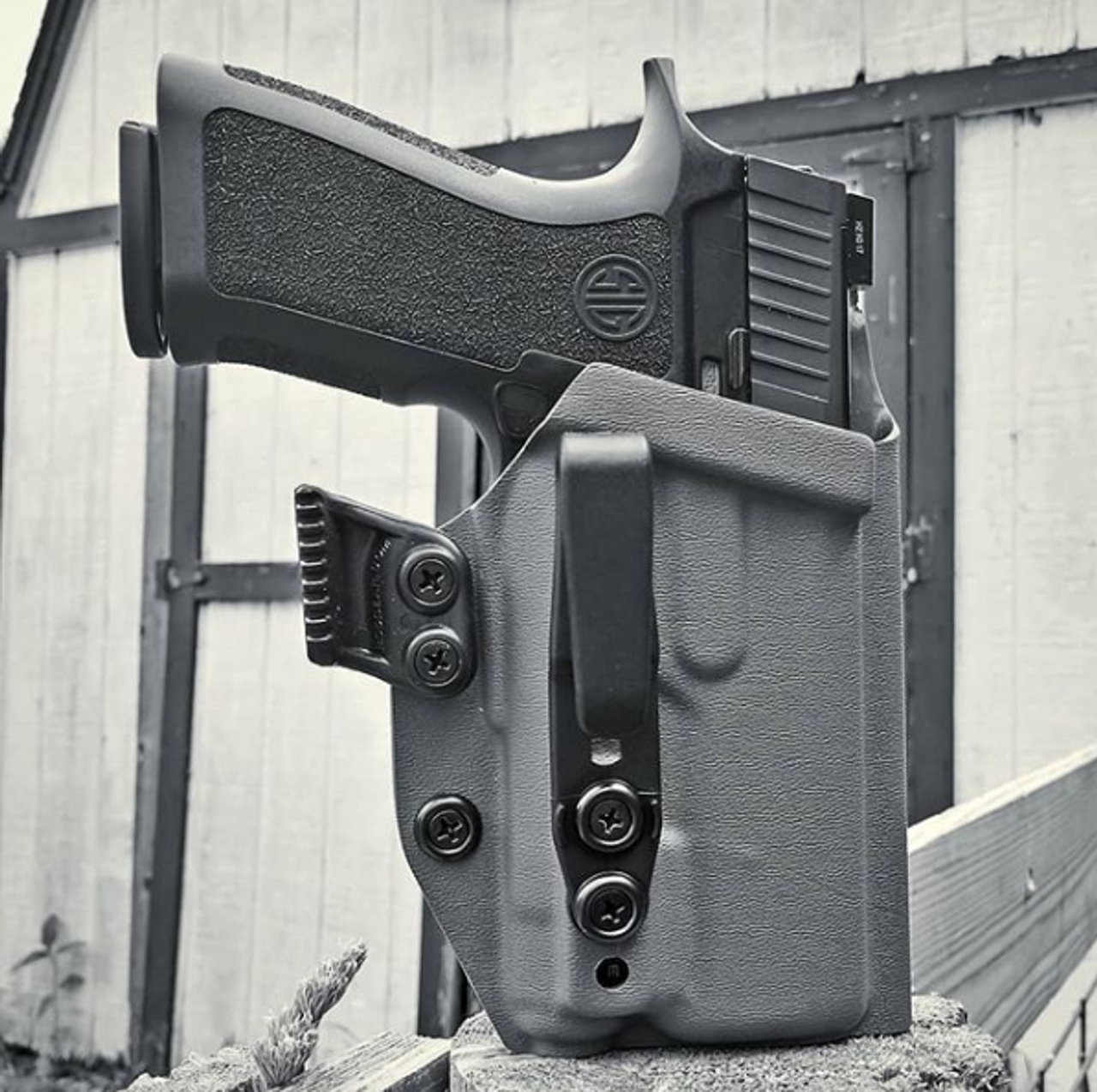 Sig P320 with Inforce APLc Appendix Carry Holster