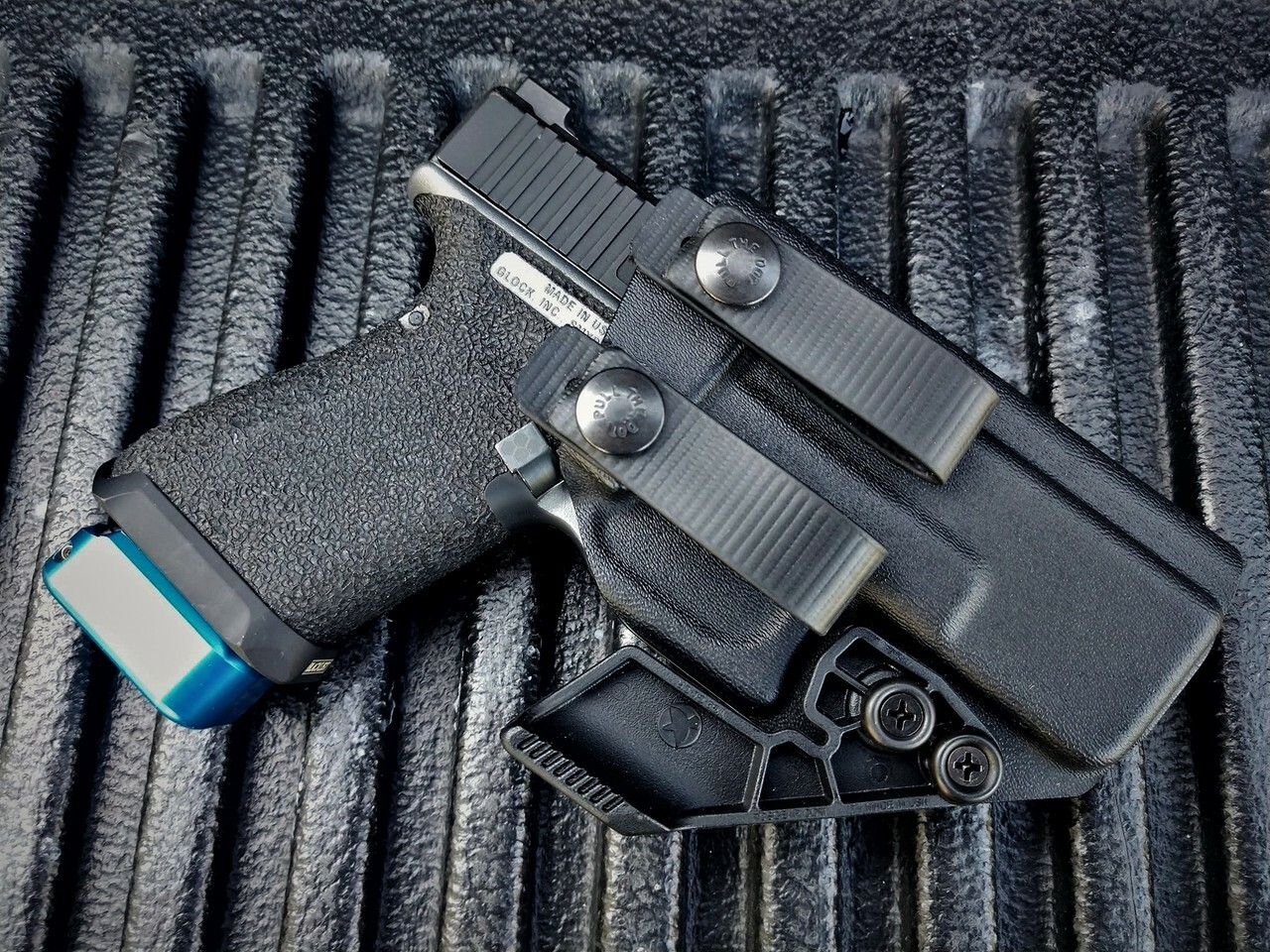 Glock 19 Appendix Carry Holster with Soft Loops