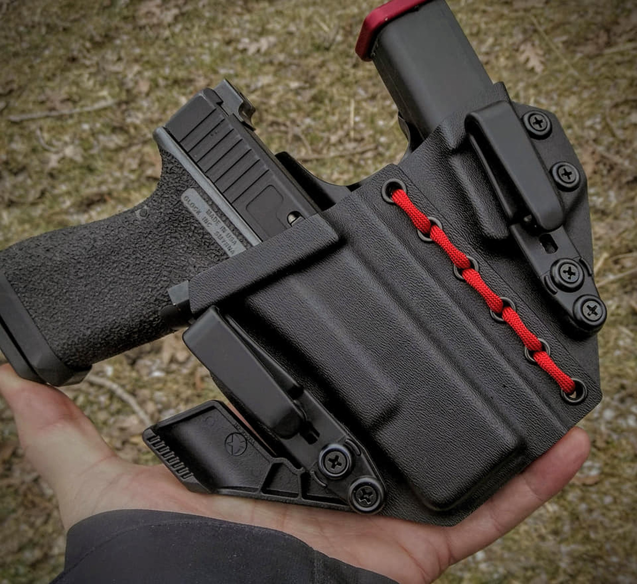 Glock 19 Appendix Carry Rig Holster with Shockcord