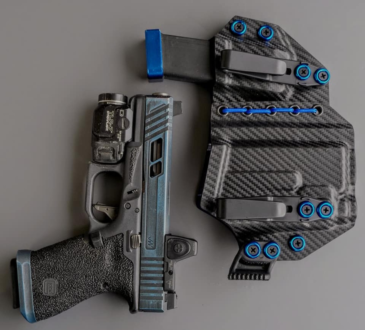 Glock 19 Streamlight TLR7 Appendix Carry Rig with Shockcord