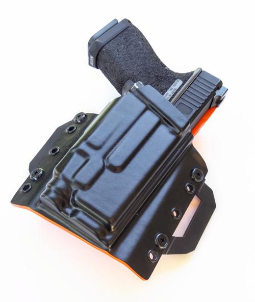 Glock 19 Streamlight TLR7 Outside Waistband Holster