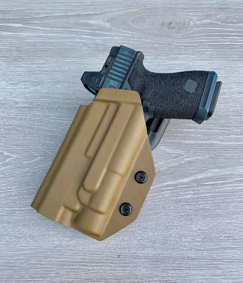 Glock 19/17 w/ Streamlight TLR1 HL Light Bearing Outside Waistband Holster