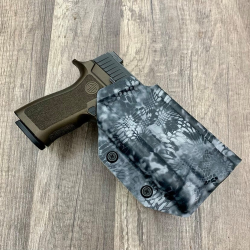Sig P320 w/ OLight PL 2 Light Bearing Outside Waistband Holster