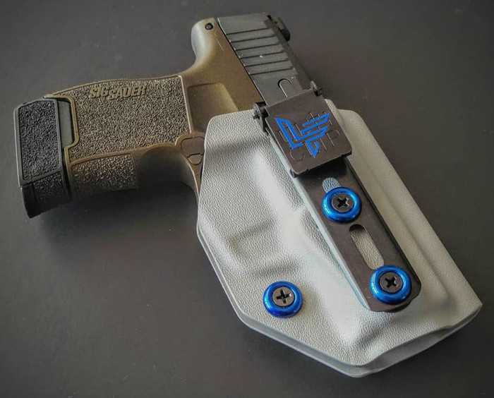 Sig P365  Beltless Carry Holster
