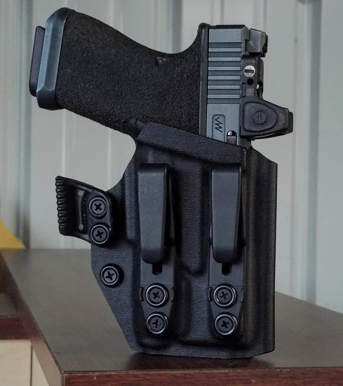 Glock 19/23 w/ APLc Appendix Carry Holster