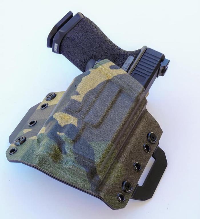 Glock 19 Streamlight TLR8 Outside Waistband Kydex Holster