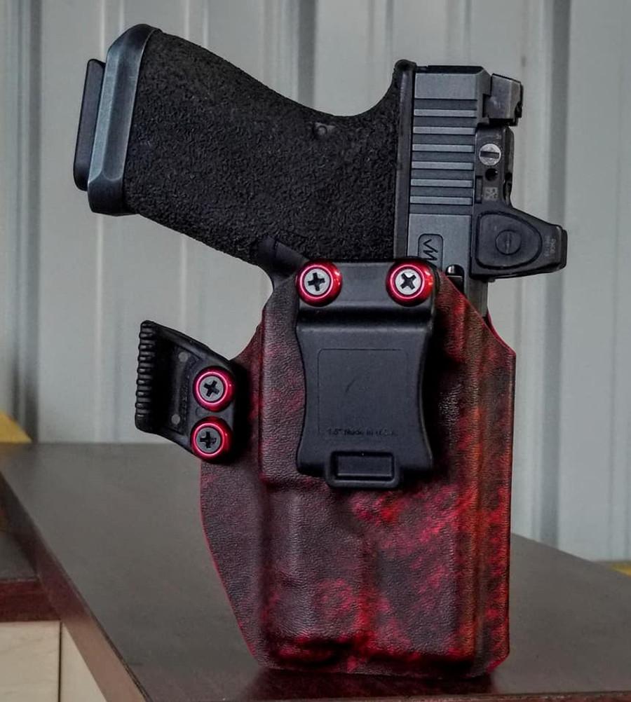 Glock 19/23 w/ Inforce APLc Cronus Holster