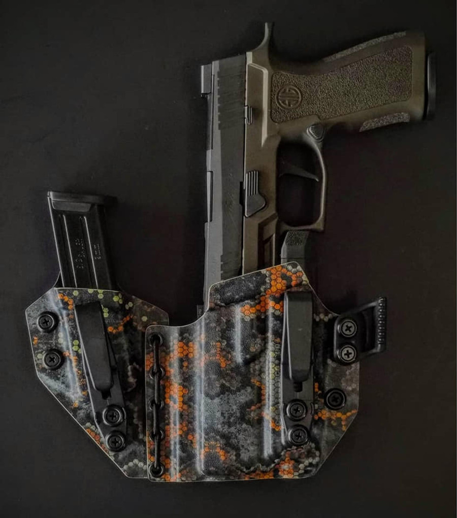 Sig X Carry with APLc Appendix Carry Holster with Shockcord