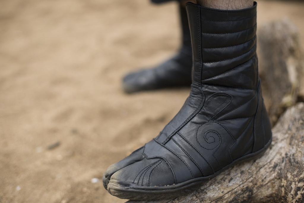 Leather Spiral Tabi Lowcut