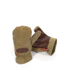 The Northern Pacific Mitten in waxed canvas is warm, sophisticated, durable, and high quality. This item is made in the USA at Frost River.