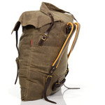 The big brown pack has sharp angled corners due to the envelope style construction of the pack. The front and back panels of the pack body are sewn directly together with no extra 'gusset' in between.