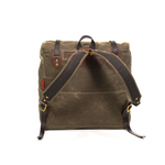 The straps are made of waxed canvas and webbed cotton to add durability and stability.