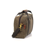 A side view shows a long zipper on top of the Simple Brief to give easy access to the interior of this bag.
