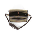 The interior has an organized interior to keep papers and other items in order. This Manitou Shoulder bag is sophisticated and sleek.