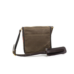 A slip pocket on the bag is perfect for a phone, tablet, or any other important item that needs easy accessibility.