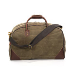 The leather corners and handles add stability and durability to this reliable bag.