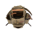 The side pockets and front pocket give extra storage in addition to the large interior of the Summit Expedition bag.