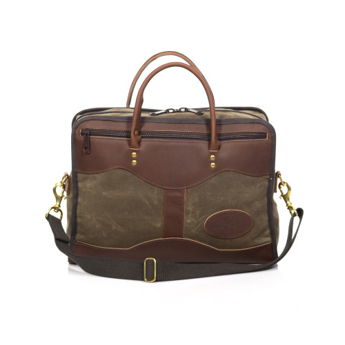 The Single Brief is crafted in Duluth, MN by artisans at Frost River. This briefcase will only get better with time. The exterior has two long zipper pockets for added organization.
