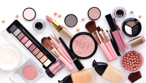 Liquidation Lot of 5 Pieces of Makeup