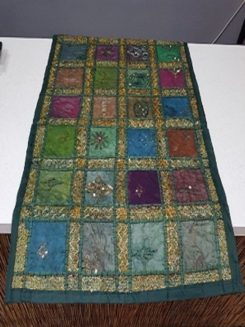 Table Runner Patchwork Purple/Green Beautifull patchwork runner with embroidery & sequins. Size is 35 x 160 cm