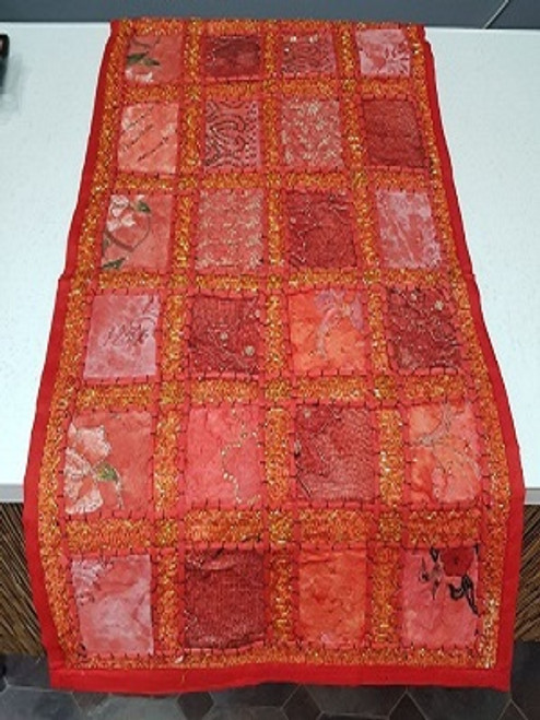 Table Runner Patchwork Red Beautifull patchwork runner with embroidery & sequins. Size is 35 x 160 cm
