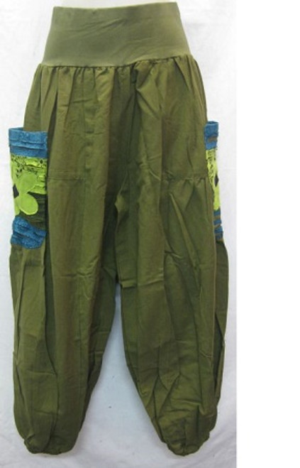 Winter Balloon Pant Green Size L - up to 14/16 100% heavy cotton with stretch waist & elastic at ankles. Has blue/green flowered pockets at both sides.