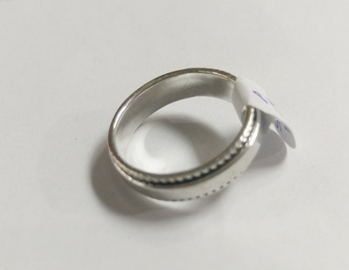 Ring Spinner Plain  -    Checkout with Afterpay & pay 4 equal payments of only $9.75 over 8 weeks Size 12  sterling silver.