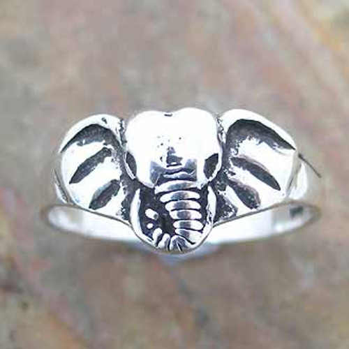 Ring Elephant Head  -    Size 8  sterling silver.