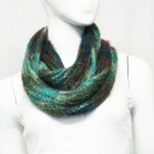 Snood Greenish fluffy acrylic