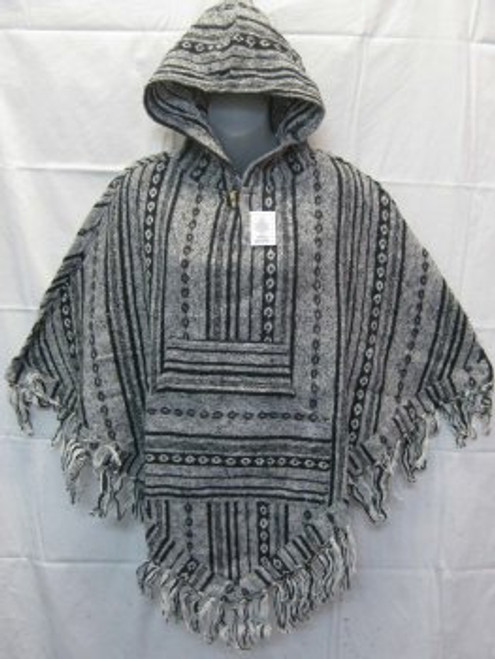 Poncho White/Black Has front pocket, hoodie & tassels. Heavy 100% cotton