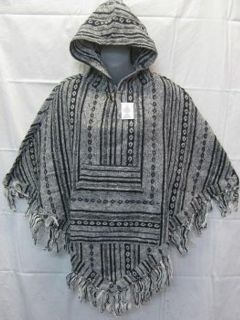 Poncho White/Black Has front pocket, hoodie & tassels. Heavy 100% cotton