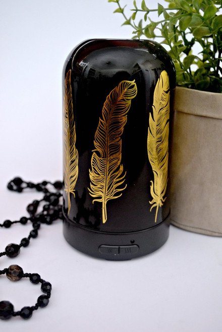 Diffuser Feather Glass Black Gorgeous Glass diffuser holds 150ml Has mist & colour variables Approx 16 x 10 cm