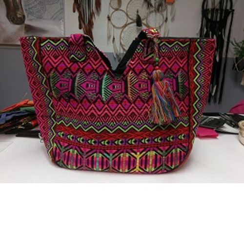 Bag Big with Embroidery & accessory Carry bag with zip enclosure & inside pockets Approx 60 x 20 x 60cm including handle