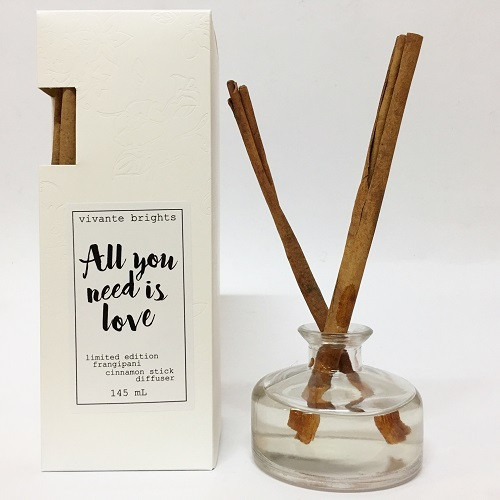 Diffuser All You Need is Love With Cinnamon Stick Gardenia Scent 145ml