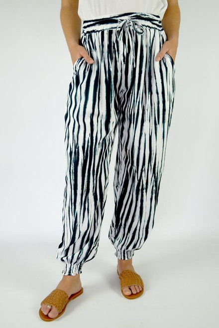 SD Gypsy Pant Squiggly Black Drawstring & elastic waist Small shirring at ankle Size to fit 10-16