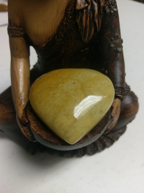 Yellow Adventurine is associated with the Solar Plexus & Sacral Energy Centres. Great for facing blockages & decision making, who are oversensitive, this stone will help them to feel more in control. It helps with self-esteem, will and self-control, helps to focus intent In order to manifest. Inspires understanding and compassion, stabilizes emotions, helps to overcome grief. Protects against EMF pollution, draws abundance and prosperity, and can be used to alleviate anxiety. Expands creativity. It helps to detoxify the body, improves blood circulation, reduces inflammation, nervous system, pancreas & liver. It stimulates metabolism, helps with digestive system & stomach health. Relief's sinus problems, allergies, migraines & helps with skin conditions. Heart shaped crystal bestows love & truth to the giver & receiver. A feeling of peace & security accompanies the heart.