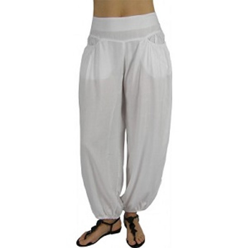 Pant Rouched White Confortable Rouched waisteline with shirring at back Adjustable length at side of legs. 100% cotton/rayon