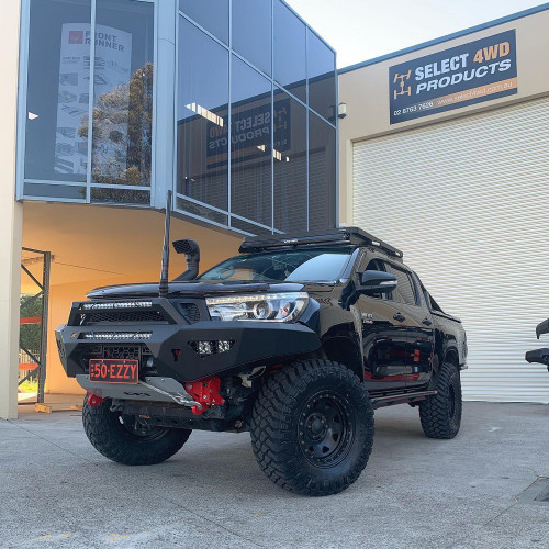 Predator Bull bar Hilux N80 with Stealth top hoop