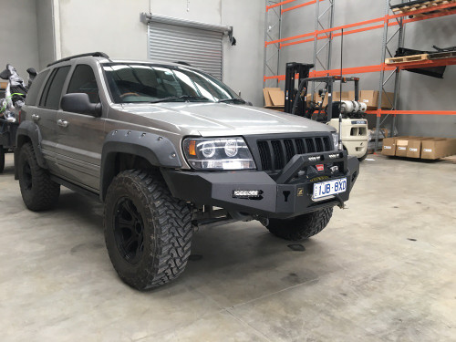 WJ Predator bar with bolt on top hoop